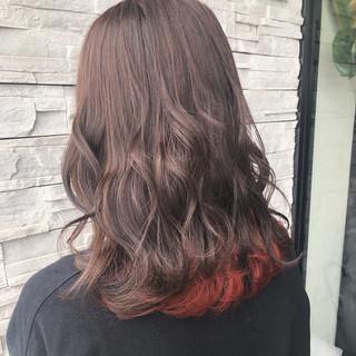 ミディアム ガーリー 透明感カラー インナーカラーオレンジ ヘアスタイルや髪型の写真・画像