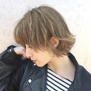 ストリート くせ毛風 ハイライト ショート ヘアスタイルや髪型の写真・画像 ヘアスタイルや髪型の写真・画像