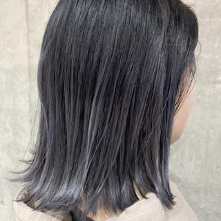 ナチュラル グレーアッシュ グラデーションカラー ダークグレー ヘアスタイルや髪型の写真・画像 ヘアスタイルや髪型の写真・画像