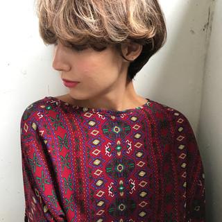 パーマ ショート 透明感 抜け感 ヘアスタイルや髪型の写真・画像
