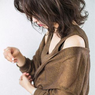 ミディアム ゆるふわ 前髪あり 抜け感 ヘアスタイルや髪型の写真・画像