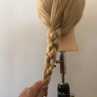 ロング ガーリー 簡単ヘアアレンジ ヘアアレンジ ヘアスタイルや髪型の写真・画像