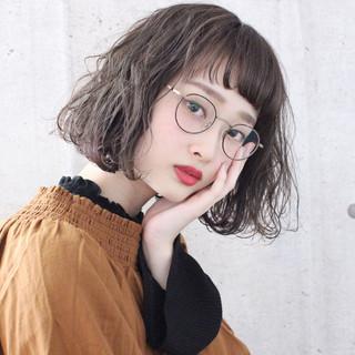 ベージュ 大人かわいい アンニュイほつれヘア ボブ ヘアスタイルや髪型の写真・画像