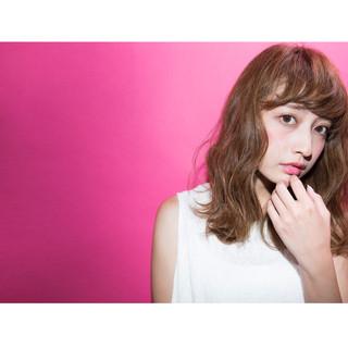 外国人風 前髪あり パーマ 大人かわいい ヘアスタイルや髪型の写真・画像