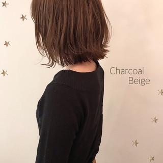 ナチュラル ミディアムレイヤー 切りっぱなしボブ ミディアム ヘアスタイルや髪型の写真・画像