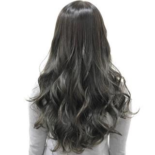 外国人風カラー 透明感 アッシュグレー 上品 ヘアスタイルや髪型の写真・画像