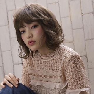 前髪あり ガーリー 外国人風 フェミニン ヘアスタイルや髪型の写真・画像