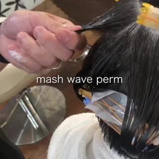 無造作パーマ ナチュラル スパイラルパーマ マッシュ ヘアスタイルや髪型の写真・画像