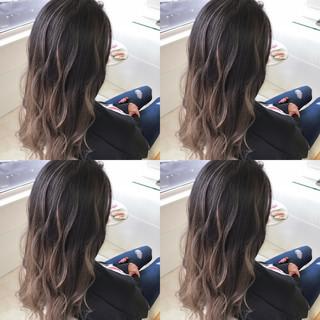 アンニュイほつれヘア デート ナチュラル バレイヤージュ ヘアスタイルや髪型の写真・画像