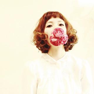ゆるふわ パーマ ハイライト ガーリー ヘアスタイルや髪型の写真・画像