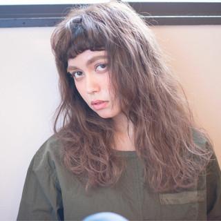 ウェーブ 抜け感 パーマ 外国人風 ヘアスタイルや髪型の写真・画像