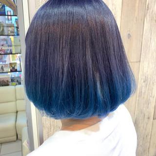 ネイビーブルー ブルーアッシュ ボブ ナチュラル ヘアスタイルや髪型の写真・画像