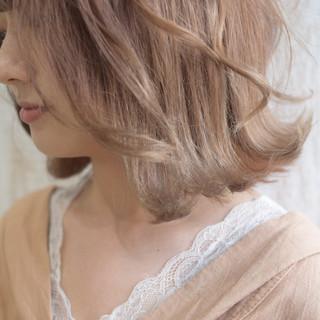 ミルクティー ヘアアレンジ ナチュラル ボブ ヘアスタイルや髪型の写真・画像