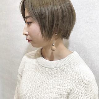 ピンクラベンダー モード ミルクティーベージュ ショート ヘアスタイルや髪型の写真・画像