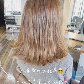 ミディアムレイヤー ミディアムヘアー セミディ 透明感 ヘアスタイルや髪型の写真・画像