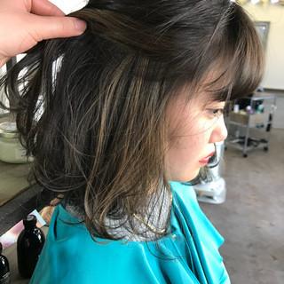 ミディアム インナーカラー アンニュイ ボブ ヘアスタイルや髪型の写真・画像 ヘアスタイルや髪型の写真・画像