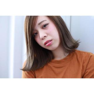 ナチュラル 透明感 アッシュ アッシュグレー ヘアスタイルや髪型の写真・画像