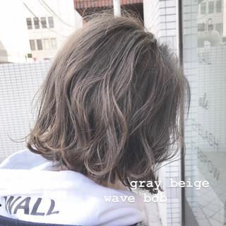 切りっぱなしボブ ミニボブ ナチュラル グレージュ ヘアスタイルや髪型の写真・画像
