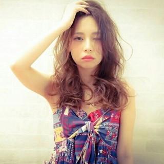 ガーリー 外国人風 フェミニン 大人かわいい ヘアスタイルや髪型の写真・画像