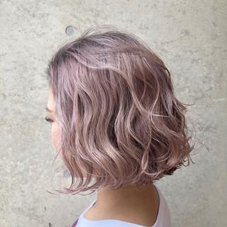 外国人風カラー ストリート ボブ ピンク ヘアスタイルや髪型の写真・画像