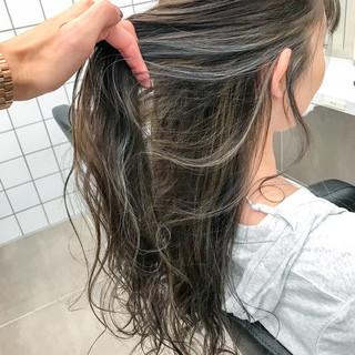グラデーションカラー ダブルカラー セミロング ナチュラル ヘアスタイルや髪型の写真・画像