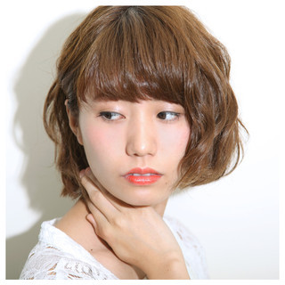 ピュア パーマ フェミニン 前髪あり ヘアスタイルや髪型の写真・画像