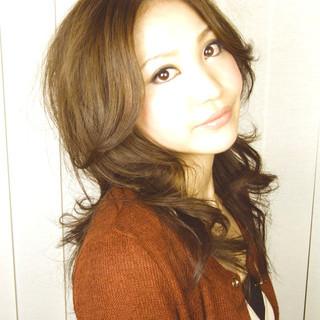 ロング フェミニン 外国人風 ゆるふわ ヘアスタイルや髪型の写真・画像