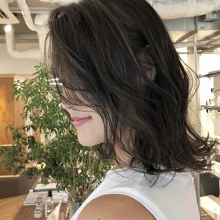 ストリート グレージュ ハイライト ミディアム ヘアスタイルや髪型の写真・画像
