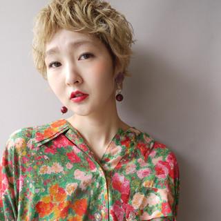 夏 ショート 色気 ハイトーン ヘアスタイルや髪型の写真・画像