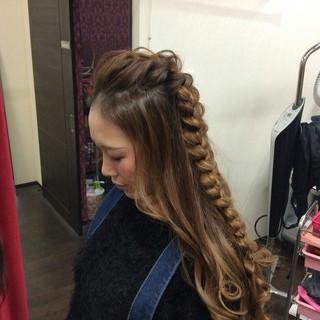 ハーフアップ ヘアアレンジ 編み込み ナチュラル ヘアスタイルや髪型の写真・画像
