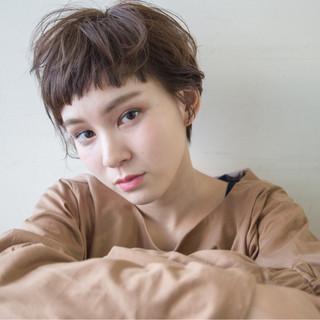 外国人風 パーマ ナチュラル 暗髪 ヘアスタイルや髪型の写真・画像 ヘアスタイルや髪型の写真・画像