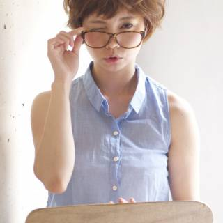 ショート ゆるふわ 丸顔 前髪パッツン ヘアスタイルや髪型の写真・画像