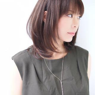 艶髪 ミディアム ナチュラル ストレート ヘアスタイルや髪型の写真・画像