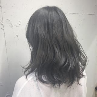 エレガント 艶髪 アッシュ 外国人風カラー ヘアスタイルや髪型の写真・画像