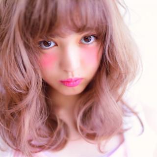 ピンク ボブ 色気 ミディアム ヘアスタイルや髪型の写真・画像 ヘアスタイルや髪型の写真・画像