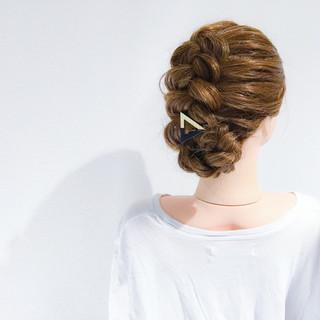 セミロング フェミニン ヘアアレンジ 簡単ヘアアレンジ ヘアスタイルや髪型の写真・画像