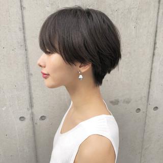ショートヘア マッシュショート オフィス ナチュラル ヘアスタイルや髪型の写真・画像