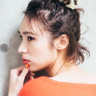 ミディアム モード ハーフアップ アッシュ ヘアスタイルや髪型の写真・画像