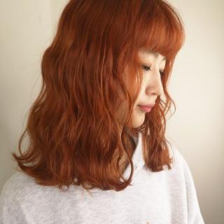 ブリーチ ロング ストリート オレンジ ヘアスタイルや髪型の写真・画像