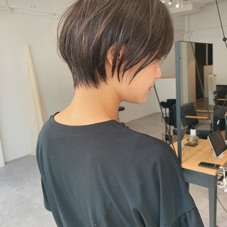デート ショート アウトドア 黒髪 ヘアスタイルや髪型の写真・画像