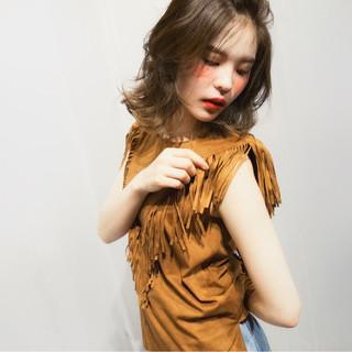 ショート ミディアム ハイライト 簡単ヘアアレンジ ヘアスタイルや髪型の写真・画像