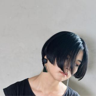 黒髪 切りっぱなし 大人女子 ショート ヘアスタイルや髪型の写真・画像