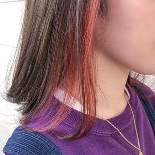 ピンク ピンクアッシュ ナチュラル インナーカラーレッド ヘアスタイルや髪型の写真・画像 ヘアスタイルや髪型の写真・画像