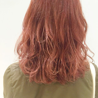 ゆるふわ 冬 ハイライト 外国人風 ヘアスタイルや髪型の写真・画像 ヘアスタイルや髪型の写真・画像