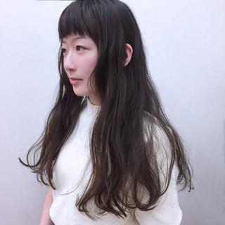 外国人風 ガーリー 波ウェーブ ロング ヘアスタイルや髪型の写真・画像