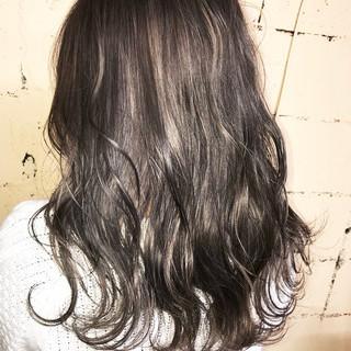 モード セミロング 透明感 外国人風 ヘアスタイルや髪型の写真・画像