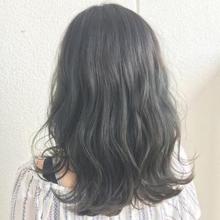 外国人風 外国人風カラー ハイライト フェミニン ヘアスタイルや髪型の写真・画像 ヘアスタイルや髪型の写真・画像