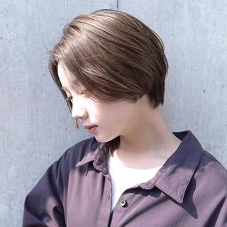 抜け感 ショート 前髪あり ナチュラル ヘアスタイルや髪型の写真・画像