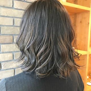 ストリート ブルージュ ハイライト 抜け感 ヘアスタイルや髪型の写真・画像