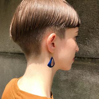 ショートヘア モード 透明感 抜け感 ヘアスタイルや髪型の写真・画像